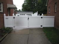 Gate- Solid 5-ft Gothic Caps